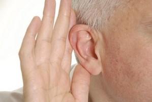 dziadek-niedosłuch-hear-clear-pro
